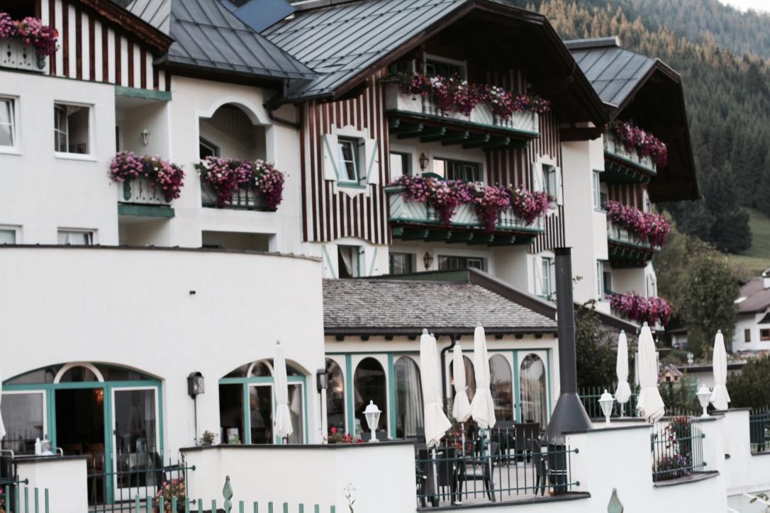 Kinderhotel Alpenrose in Lermoos Tirol