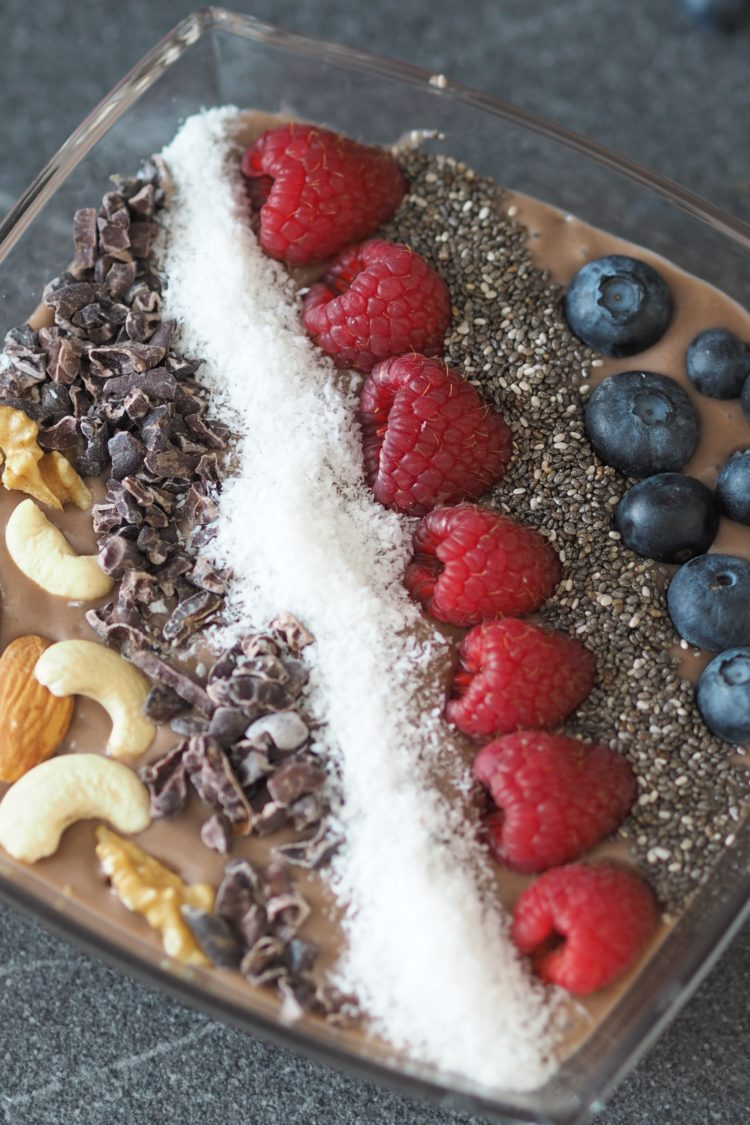 Tasty Tuesday auf Maison Pazi: es gibt eine Chocolate Peanutbutter Smoothie Bowl