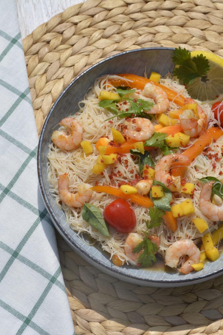 Tasty Tuesday auf Maison: fruchtiger Glasnudelsalat mit Mango und Scampis, Glasnudeln, Sommersalat