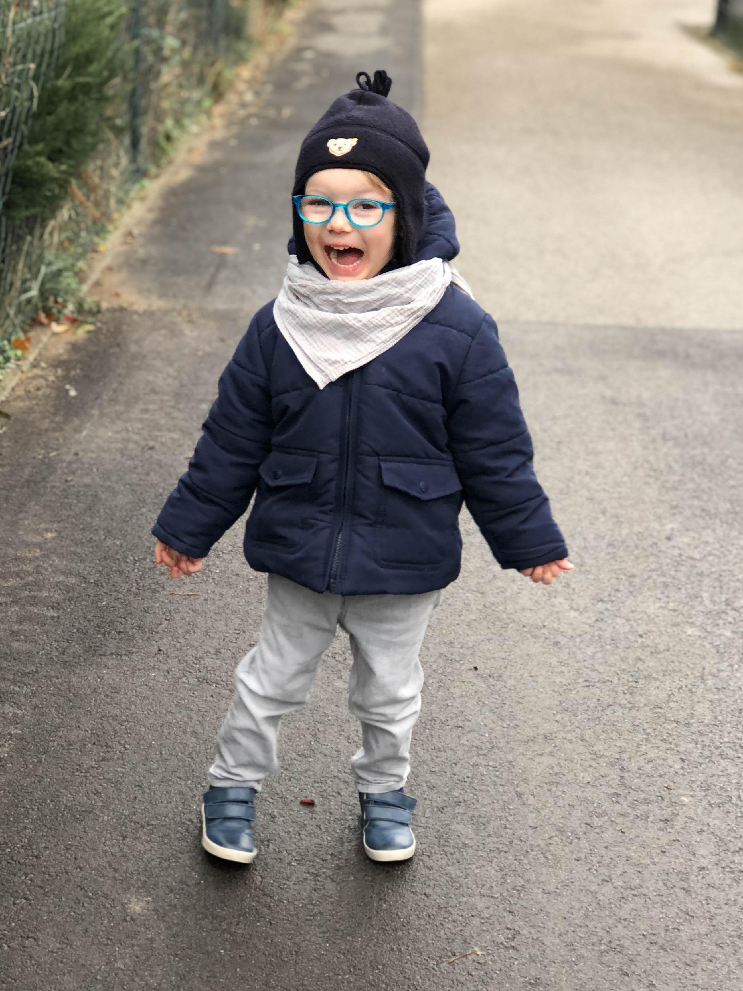 Outdoor-Aktivitäten mit Kindern im Winter, Nachtwanderung